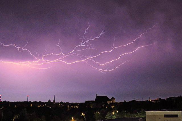 Fotostrecken - Wetter Bilder und Fotos - WetterOnline Gewitter in Freiberg (Sachsen). Bild: Lukas Häuser