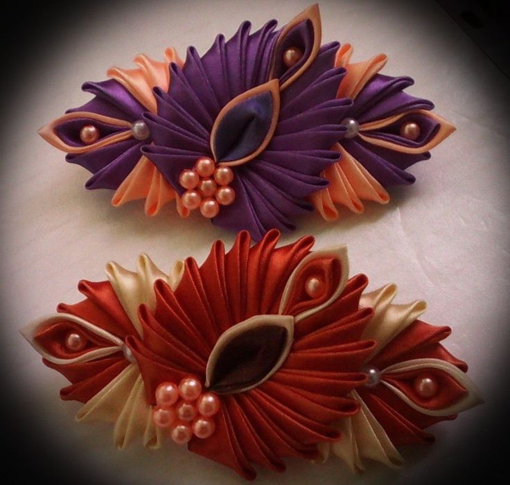 """""""Stacked"""" kanzashi design, unique and pretty, I would love to try this 