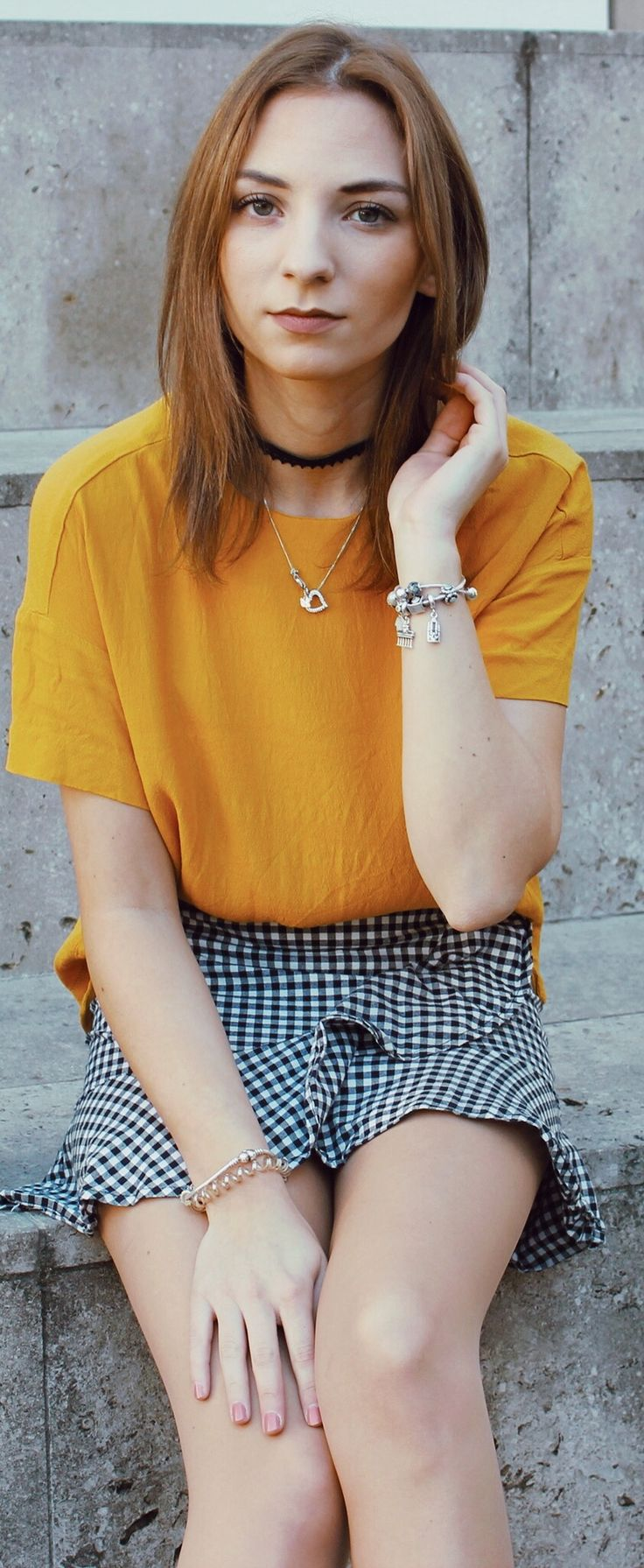 Lemon Curry – eine der Trendfarben für den Herbst/Winter 2017/2018. Wie stylst du Lemon Curry? Was solltest du nun in Lemon Curry shoppen?  Du bist auf der Suche nach Herbstinspiration für deinen Herbstlook? Du brauchst ein bisschen Inspiration für deine Herbstoutfits? Dann solltest du diesen Beitrag unbedingt lesen