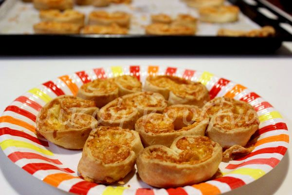 μικρή κουζίνα: Αλμυρά παλμιέ με τέσσερα τυριά