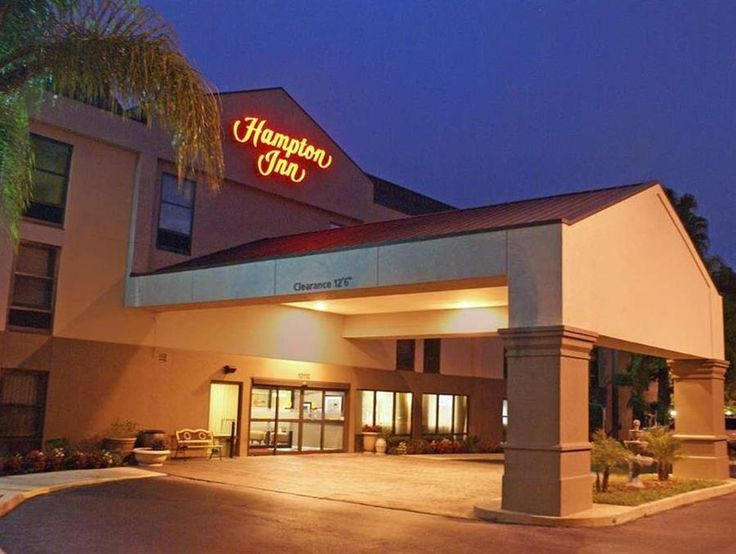 Tampa (FL) Hampton Inn Tampa Brandon United States, North America Stop at Hampton Inn Tampa Brandon to discover the wonders of Tampa (FL). Offering a variety of facilities and services, the hotel provides all you need for a good night's sleep. 24-hour front desk, facilities for disabled guests, express check-in/check-out, Wi-Fi in public areas, car park are there for guest's enjoyment. Television LCD/plasma screen, non smoking rooms, air conditioning, heating, desk can be foun...