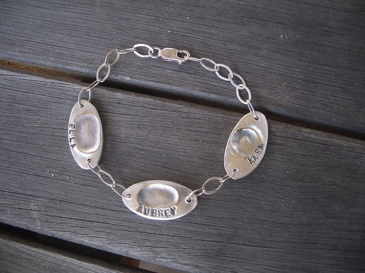 Bracelet with oval charm(s) designsbyjanessa.com Code: parents-10% off