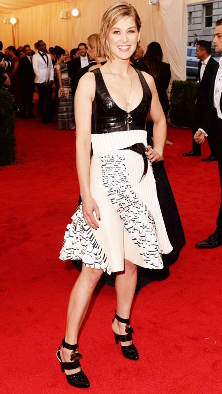 2014 Met Gala Red Carpet - Rosamund Pike from #InStyle