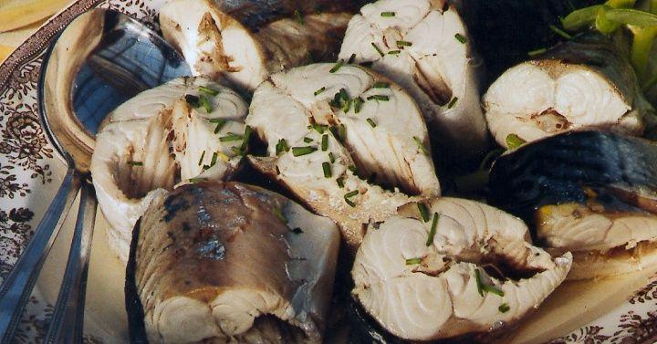 Syltet makrell  http://www.melk.no/oppskrifter/smaretter-lunsj/fisk-og-skalldyr/syltet-makrell/