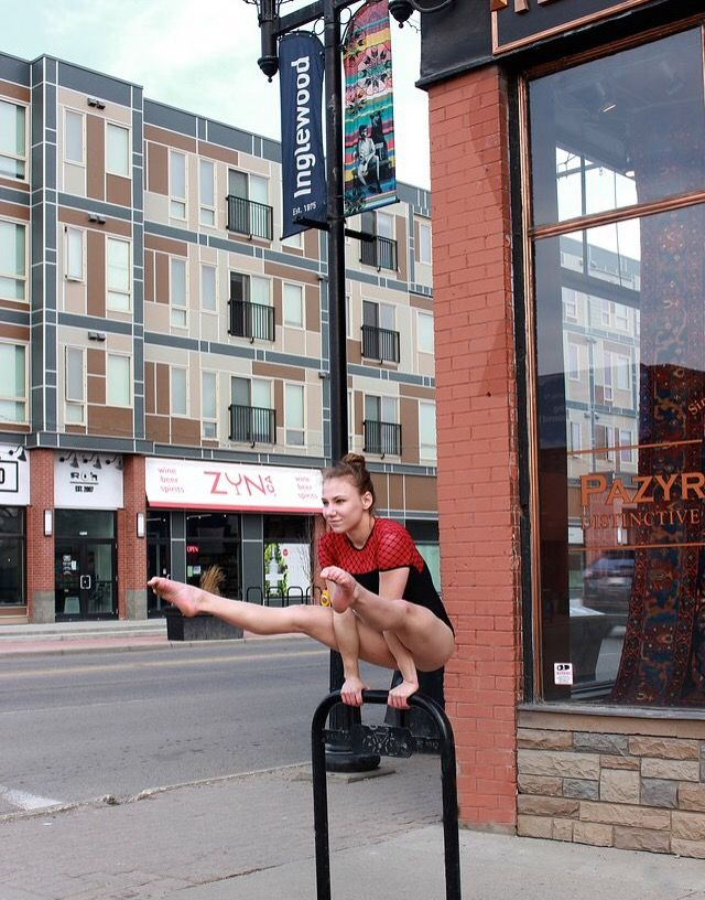 Straddle hold, downtown Inglewood.