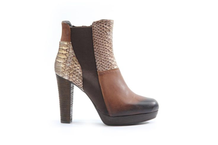 Roberto Santi Stiefelette - Artikel: 074.2558.2.2 - https://ch-de.voegele-shoes.com/074255822