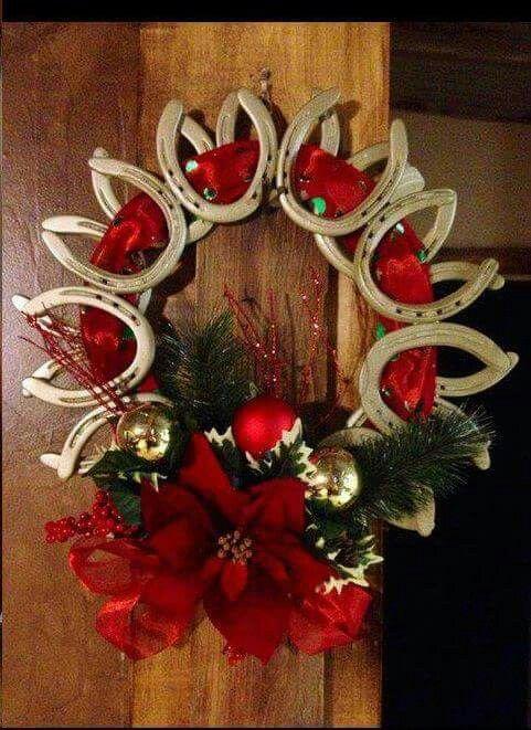 Horseshoe wreath! ♡