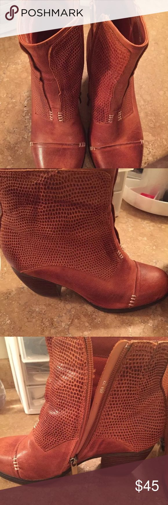 New Women's Antelope Brown leather Ankle Boots New Women's Antelope Brown leather Ankle Boots Size 37  Shoes never worn outside store  Were shelf models in the store antelope Shoes Ankle Boots & Booties