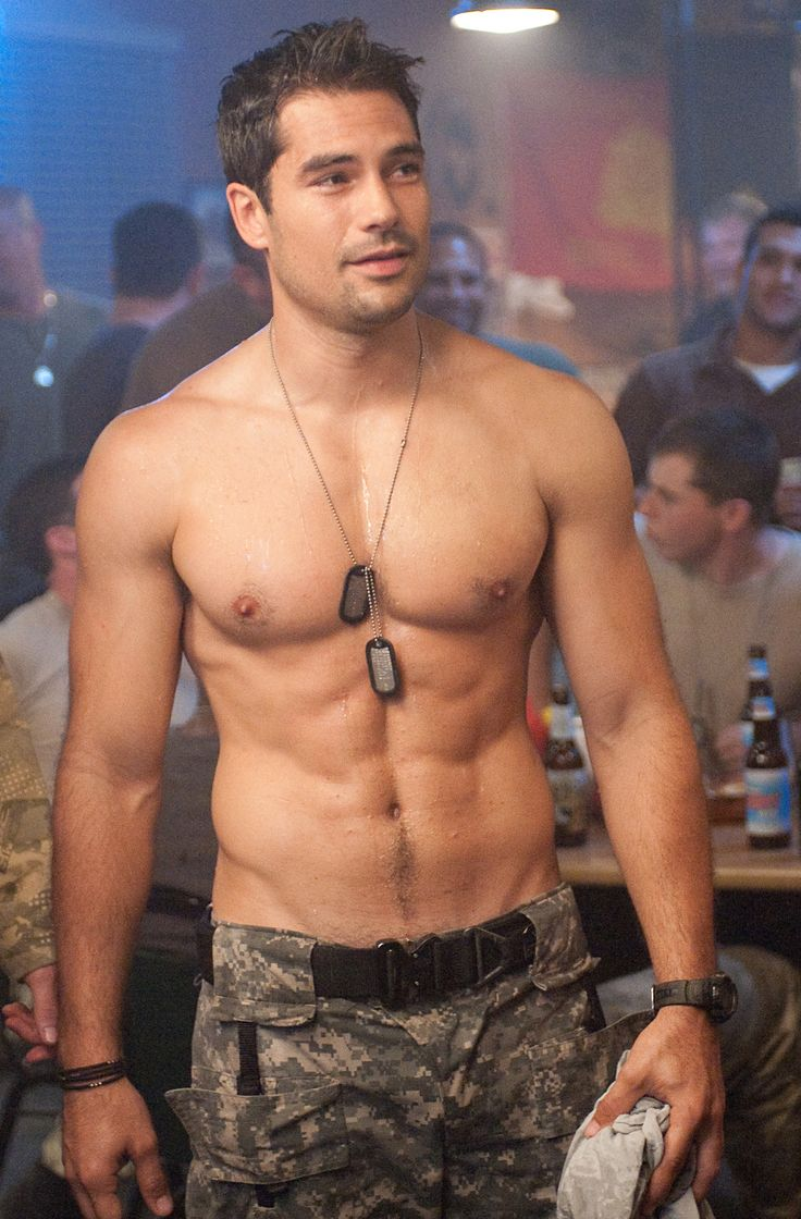 DJ Cotrona is a hunk with a great 6pack - as seen here in GI Joe - Retaliation