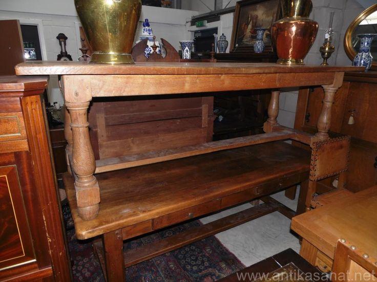Antik meşe 19. yüzyıl meşe çalışma/yemek masası. Sekiz/ on kişilik masa . Sıcak bal  rengi . Ölçüler 74cm 230cm 80cm