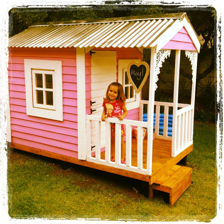 67 best images about wendy and dolls houses on pinterest for Building a wendy house from pallets