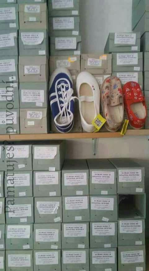 Dětská obuv do školy •