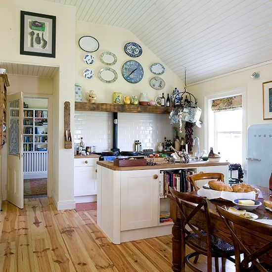 Cream And Oak Country Kitchen