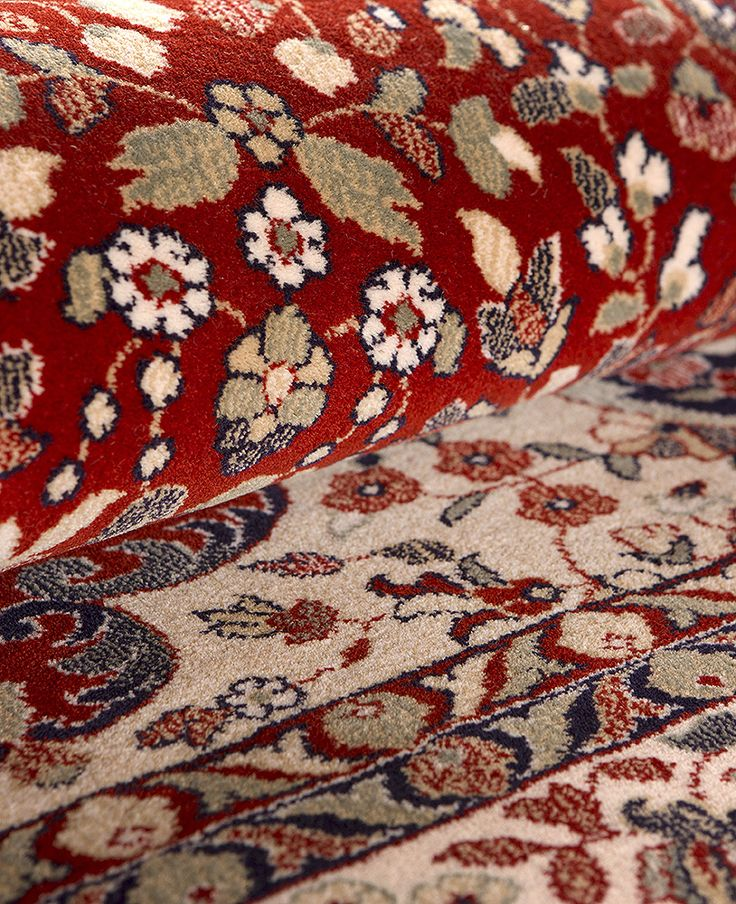 Detalle de Alfombra Clásica Byzan en Granate. 100% Pura Lana.  http://alfombrashispania.com/