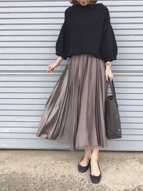Spick & Spanのスカート「2WAYサテンプリーツスカート2」を使ったukapiのコーディネートです。WEARはモデル・俳優・ショップスタッフなどの着こなしをチェックできるファッションコーディネートサイトです。
