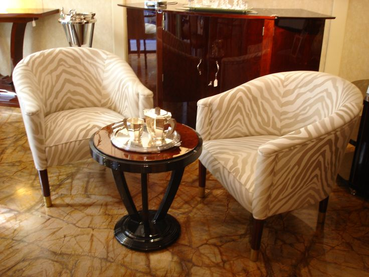 Coffee table with comfortable armchairs