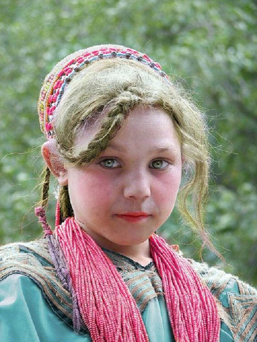 Mysterious white-skinned, blue-eyed Kalash people in Pakistan. They are ethnically Slavic and likely settled here thousands of years earlier from Russia.