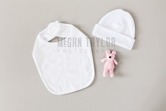 Free Stock Styled Photography Baby Bib And Cap Mockup File Psd This Free T Shirt Template Fe Free Packaging Mockup Free Psd Mockups Templates Mockup Free Psd