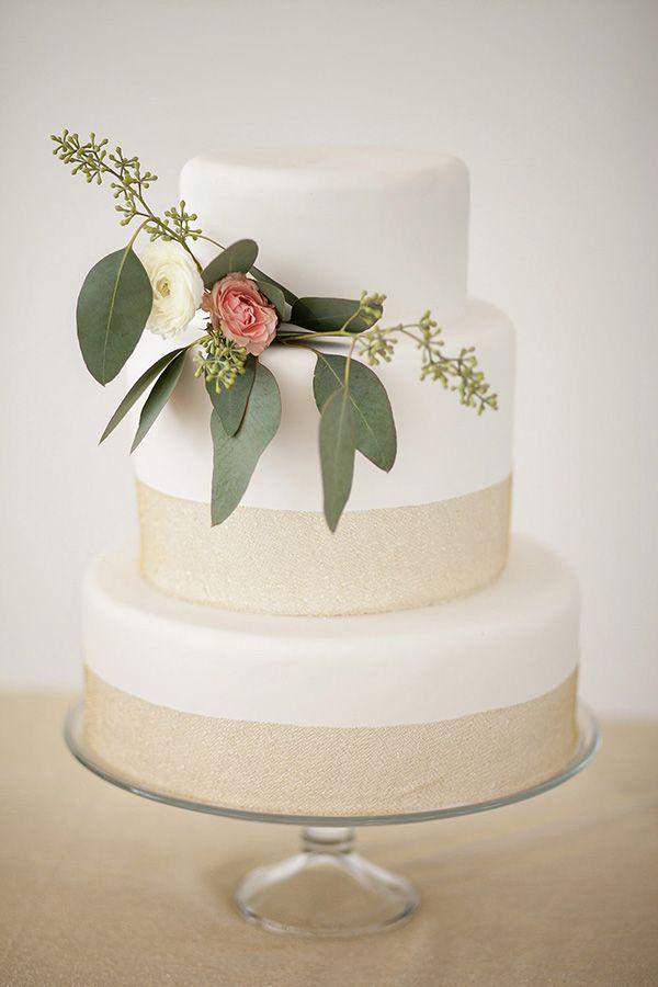 Simple Wedding Cake Inspiration