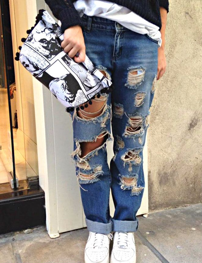 """Ripped boyfriend jeans and handmade """"Comics"""" bags are the BEST"""
