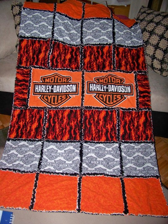 Harley quilt@DESIREE SLATE you should totally make one for pey :)