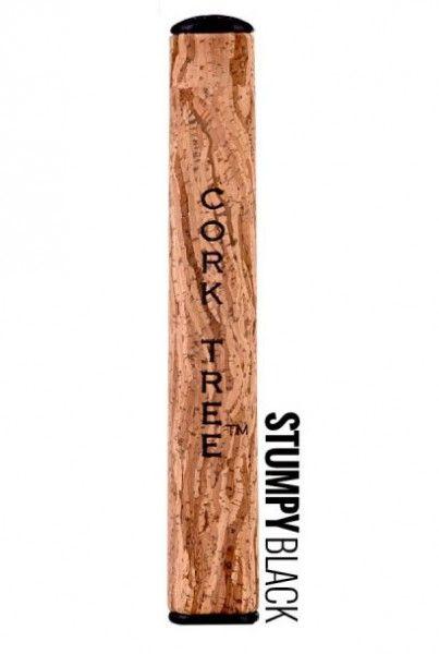 """Cork Tree Buttergriff Stumpy - 100 % natürliches leichtes Material. Der Puttergriff ist mit einem Original Kork-Muster versehen und trägt auch das Branding von """"Cork Tree"""".  Neu! Dieser neue innovative Puttergriff ist aus einem einzigartigen leichten Kork Material gefertigt und fördert ein stabiles putten. Viele Tourspieler wie z.B. Erni Els, Andy Sullivan und China's #1 Liang Wen Chong vertrauen schon auf die original Cork Tree Buttergriffe."""