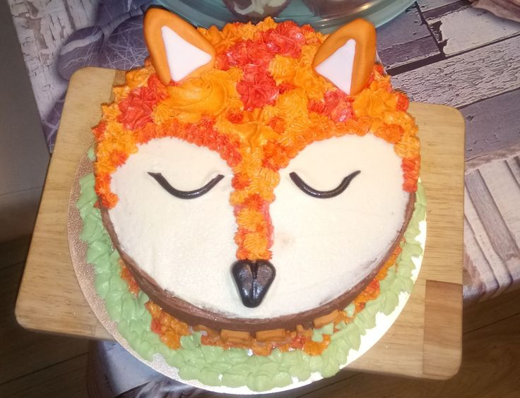 Fox birthday cake buttercream