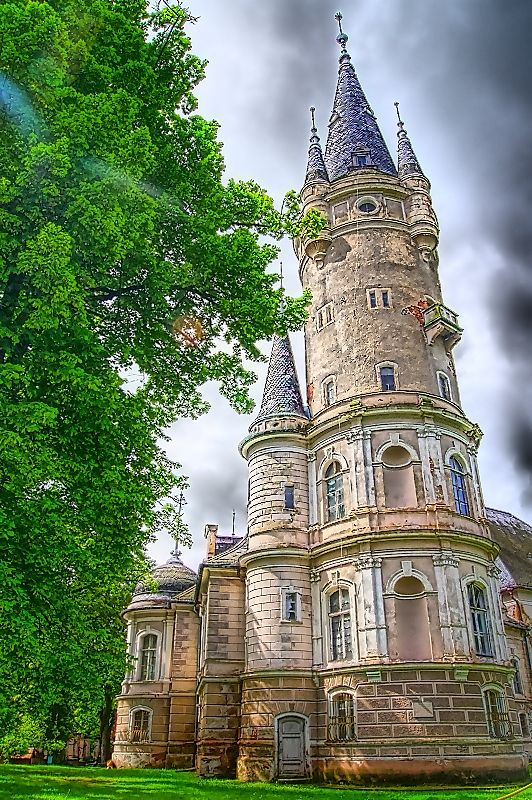 Bozkow Palace (Poland)
