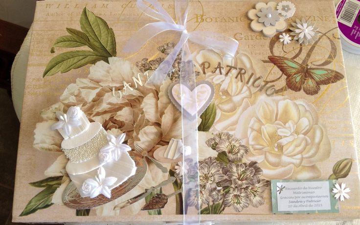 Caja para guardar recuerdos de boda