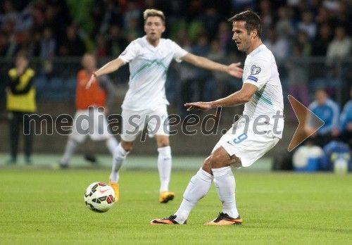 http://www.mediaspeed.net/skupine/prikazi/11009-slovenska-nogometna-reprezentanca-premagala-svico-v-ljudskem-vrtu  #slovenia #football