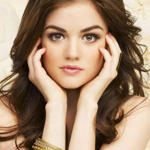 Step By Step Guide To Aria Montgomery's look - makeup & fashion! Pretty Little Liars!