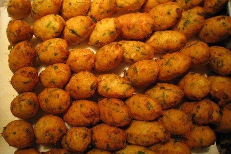 Portuguese cod fritters (Bolinhos de Bacalhau) recipe