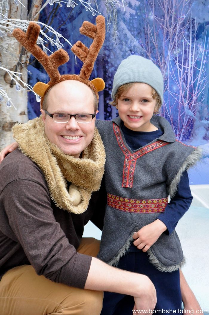 Kristoff and Sven Costumes.  Dying from Kristoff's cuteness!!!