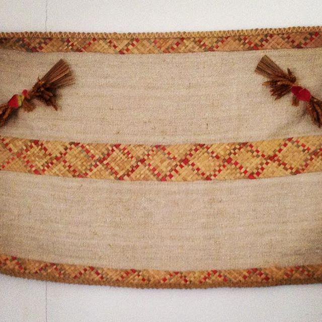 Palm weaving mixed with common flax! Traditional bag #projectotasa #craft #crafts #handmade #algarve #rural
