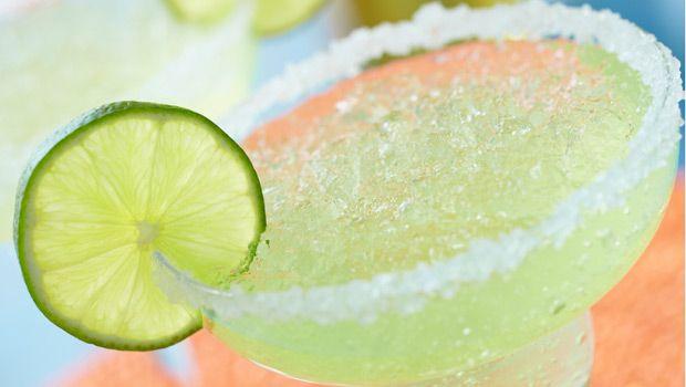 Fresh Lime Margaritas   Dashrecipes.comFun Recipe, Tequila, Hot Summer Day, Crystals Lights, Margaritas Recipe, Mexicans Recipe, Skinny Girls, Drinks, Frozen Margaritas