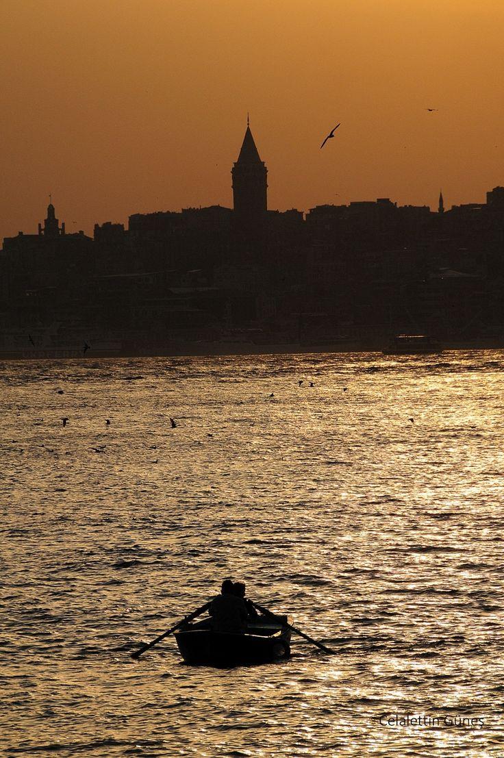 """Galata - """"Bu bir lisan-ı hafidir ki ruha dolmakta, Kızıl havaları seyret ki akşam olmakta...""""    Ahmed Haşim"""
