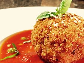 Everybody Loves an Italian: Arancini Marinara (Italian Rice Balls with Marinara Sauce)