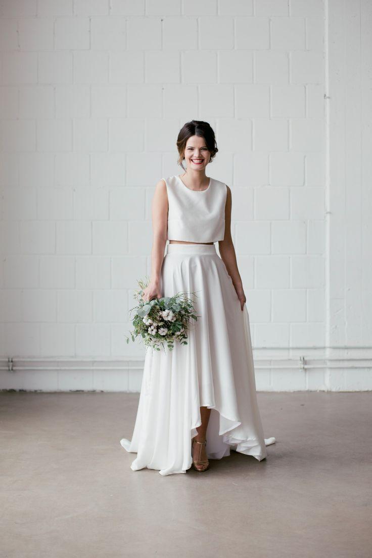 Brautkleider online kaufen bei Little White Ivy. Kleider - alles