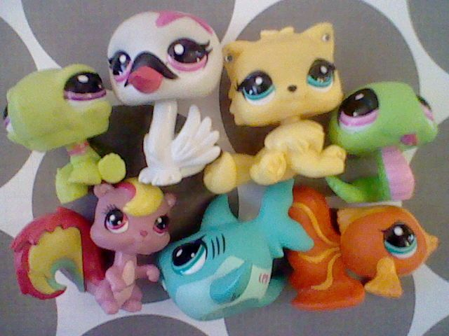 YAY YAY YAY !!!! The old lps are back!!!!!!! I love the Swan! Who is your favourite?