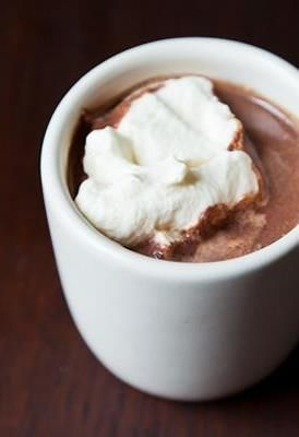 5 hot chocolate recipes to sip on all winter long!