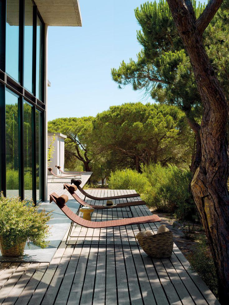 Trenza chaiselongue design lievore altherr molina for Andreu World