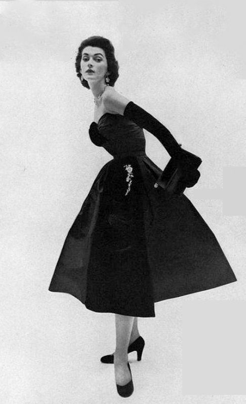 1951 Dovima in taffeta and velvet cocktail dress by Christian Dior