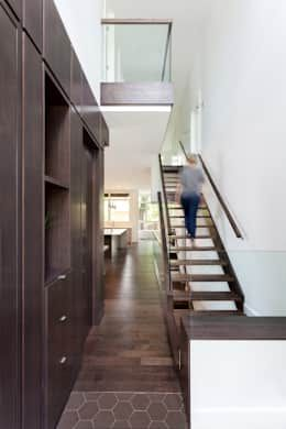 McKellar Park New Home: modern Corridor, hallway & stairs by Jane Thompson Architect