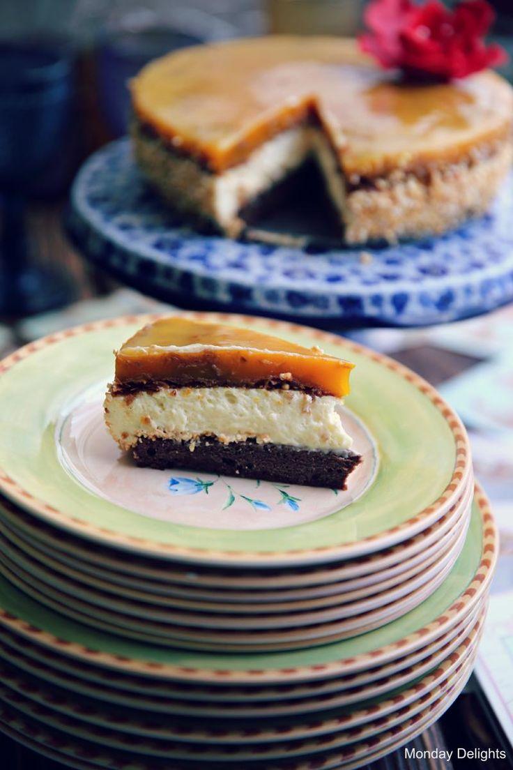 Торт с муссом из манго, муссом из горького шоколада и муссом из шампанского и белого шоколада » Рецепты » Кулинарный журнал Насти Понедельник. Кулинарные рецепты с фото.
