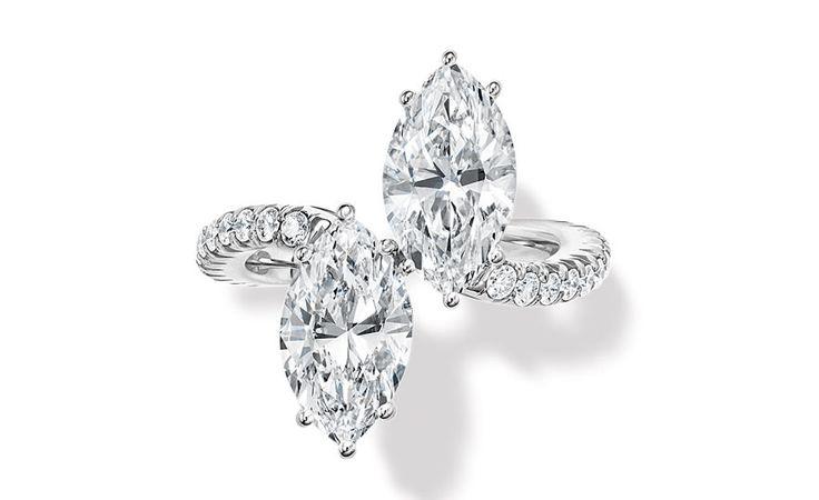 Bagues de fiançailles Toi & Moi Harry Winston http://www.vogue.fr/mariage/bijoux/diaporama/mariage-duo-de-bagues-toi-moi/17124/image/911757
