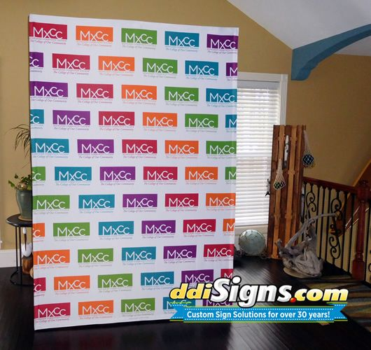 Step and Repeat Pop Up Fabric Banner. #ddisigns #stepandrepeat #mediabanner #pressconferencebackdrop #signs #customsigns
