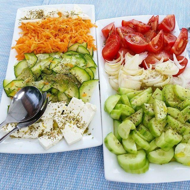 Frischer griechischer Salat mit Olivenöl von Silvan Sonnenhain # Olive Oil #par… – Salat Rezepte
