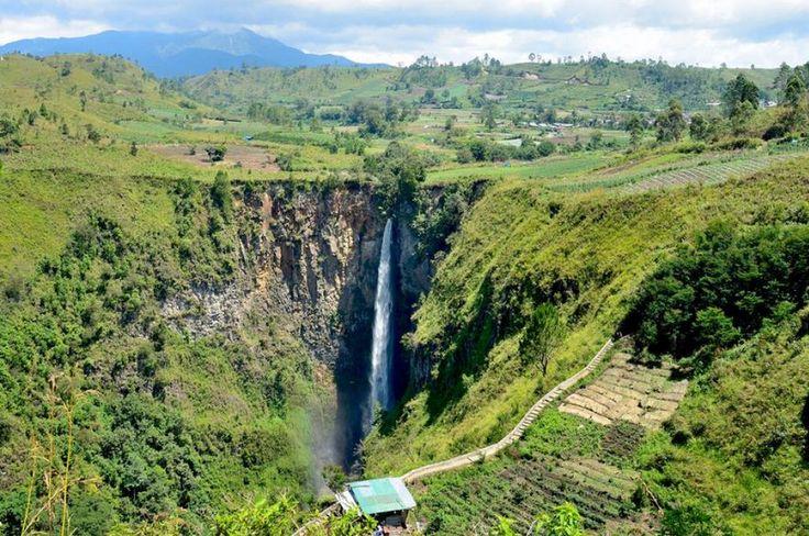 Destinasi Air terjun yang Harus Kamu Kunjungin Di Indonesia Part 2