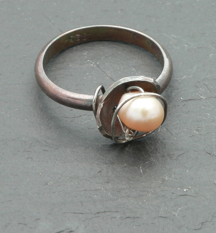@Petal_and_Stone will be at the Leonia NJ Craft & Car show on the 29th - Aged Sterling Silver and Peach Pearl Nest Ring. $38.00