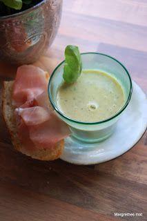 """Suppe er godt nå på senhøsten, og når man jevner dem med stavmikseren er det en fin måte å """"snike"""" grønnsaker inn i middagen til kresne barn..."""